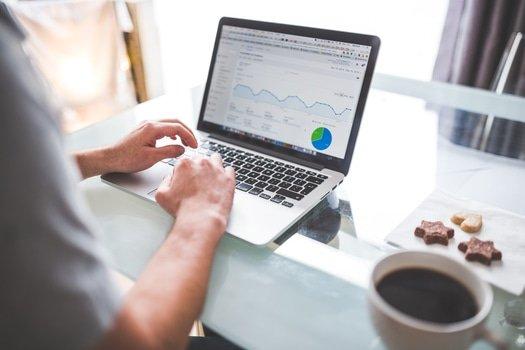 benefícios de contratar um freelancer